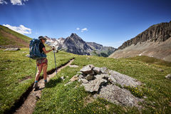 Caminhando a mulher Fotografia de Stock Royalty Free