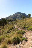Caminhando o trajeto à montanha Puig de Galatzo em Majorca Fotografia de Stock Royalty Free