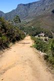 Caminhando o trajeto na montanha da tabela, África do Sul Foto de Stock