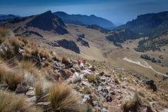 Caminhando o vulcão de Iztaccihuatl em México Imagem de Stock Royalty Free