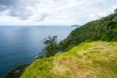 Caminhando a passagem litoral de Coromandel, Nova Zelândia 19 foto de stock