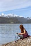 Caminhante da menina na Noruega Imagens de Stock Royalty Free