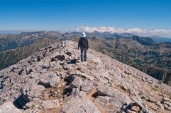Caminhante da montanha de Pirin fotos de stock