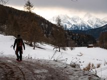 Caminhante na cabra-montesa fotografia de stock