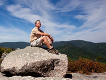 Caminhante que negligencia o vale de Shenandoah fotos de stock royalty free