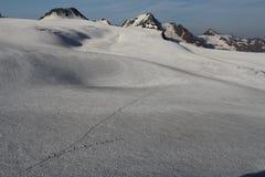 Caminhantes e Weisskogel, cumes de Otztal, Áustria Foto de Stock Royalty Free