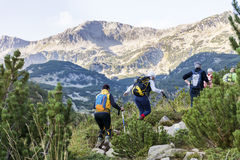 Caminhantes na montanha de Pirin, Bulgária Imagens de Stock Royalty Free