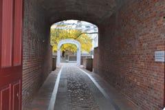 Caminho através da cidade velha imagem de stock royalty free