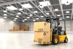 Caminhão de empilhadeira em umas caixas de cartão da carga do armazém ou do armazenamento Imagem de Stock Royalty Free