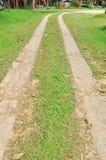 Caminho de pedra em um parque calmo Fotos de Stock Royalty Free
