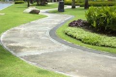 Caminho no parque. Imagens de Stock