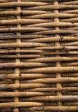 Caminho sujo do bambu do weave do grunge amarelo fotografia de stock