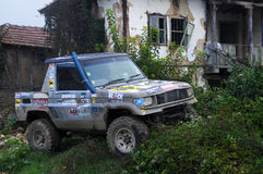 Caminhão velho na vila de Vetrintsi Fotos de Stock Royalty Free