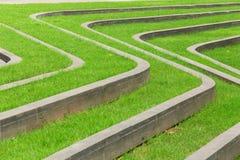 Caminhos com gramados verdes Fotografia de Stock