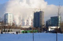 Camini di fumo di Mosca, Russia Immagini Stock