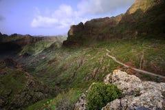 Camino abajo del valle Imagen de archivo