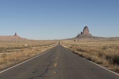 Camino abandonado en el desierto, los E.E.U.U. Foto de archivo