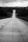 Camino al horizonte Fotos de archivo