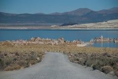Camino al lago Imágenes de archivo libres de regalías