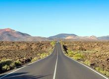 Camino al parque nacional de Timanfaya, Lanzarote, islas Canarias, España Fotos de archivo