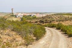 Camino al pueblo de Vila do Bispo Fotografía de archivo libre de regalías