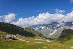 Camino alpestre en Austria imágenes de archivo libres de regalías