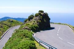Camino alto en las montañas de Madeira - Portugal Fotografía de archivo