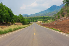 Camino asphal recto Foto de archivo