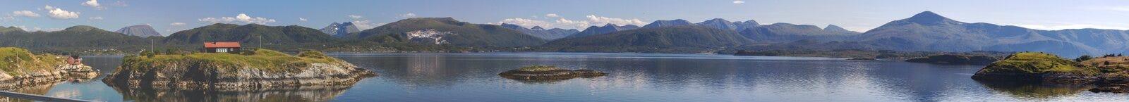 Camino atlántico cerca de Molde en Noruega del sur Fotos de archivo libres de regalías