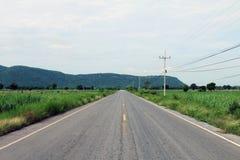 Camino, calle, camino de la avenida, camino del campo en Tailandia Foto de archivo libre de regalías