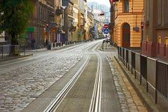Camino cobbled viejo en Lviv, Ucrania Foto de archivo libre de regalías