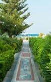 Camino colorido en la playa mediterránea Imagen de archivo