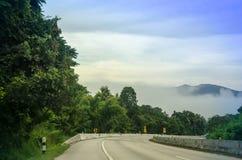 camino a continuación a la montaña Foto de archivo