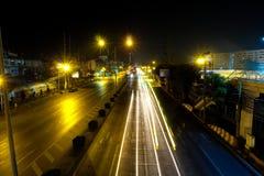 Camino de Bangkok en la noche Imagenes de archivo