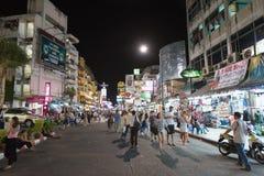 Camino de Khao San - centro del universo de los backpackers Fotos de archivo