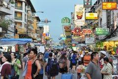 Camino de Khao San en Bangkok Fotos de archivo libres de regalías