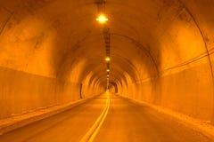 Camino de la carretera del túnel foto de archivo libre de regalías