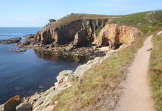 Camino de la costa al extremo de las pistas. Foto de archivo