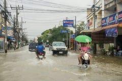 Camino de la inundación en Phatthalung, Tailandia Foto de archivo