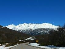 Camino de la montaña Imagen de archivo libre de regalías