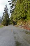 Camino de la montaña cerca de Smith River foto de archivo libre de regalías