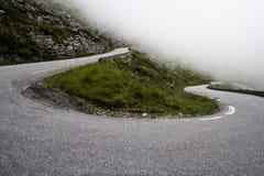 Camino de la montaña del misterio fotos de archivo