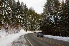 Camino de la montaña en invierno Imagen de archivo libre de regalías