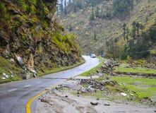 Camino de la montaña en Naran Kaghan Valley, Paquistán Fotografía de archivo libre de regalías