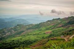 Camino de la montaña en Tailandia Foto de archivo libre de regalías