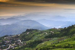 Camino de la montaña en Tailandia Imagenes de archivo