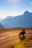 Camino de las montañas Fotos de archivo libres de regalías