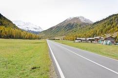 Camino de las montañas Imagen de archivo