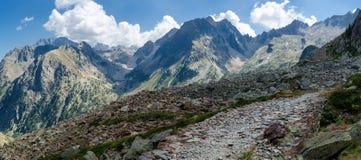 Camino de los militares de la montaña Foto de archivo libre de regalías