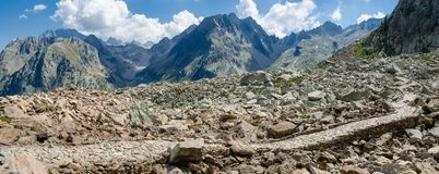 Camino de los militares de la montaña Imagen de archivo